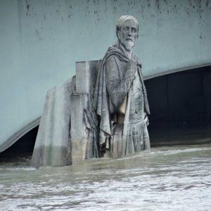 Statue : Zouave du pont de l'Alma, Paris