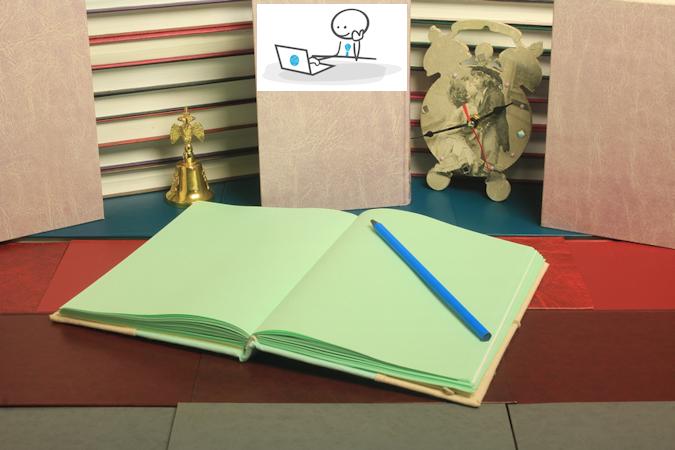 Carnet de notes vide et crayon
