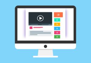 Ecran d'ordinateur avec vidéos affichées